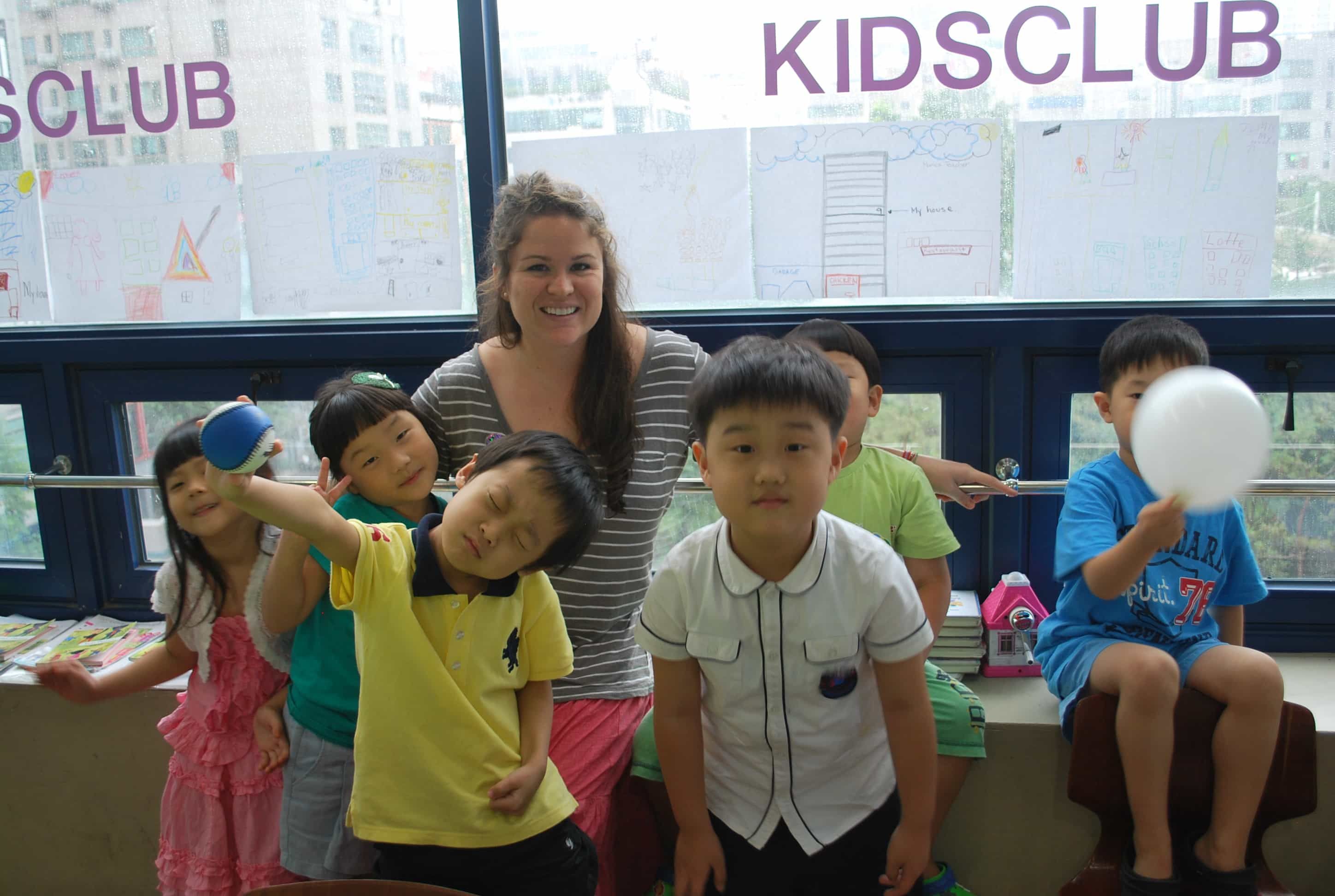 TEFL teacher and asian students in the ESL classroom
